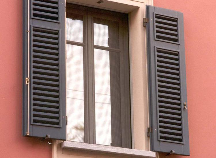 Persiane in legno per finestre - quattro M